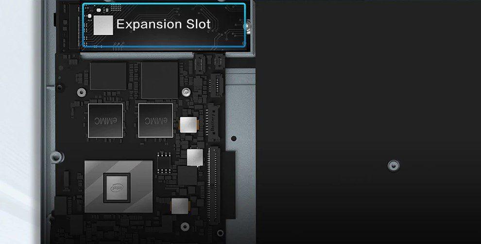 Слот для SSD-накопителя