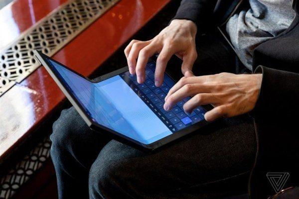 Можно работать и с наэкранной клавиатурой