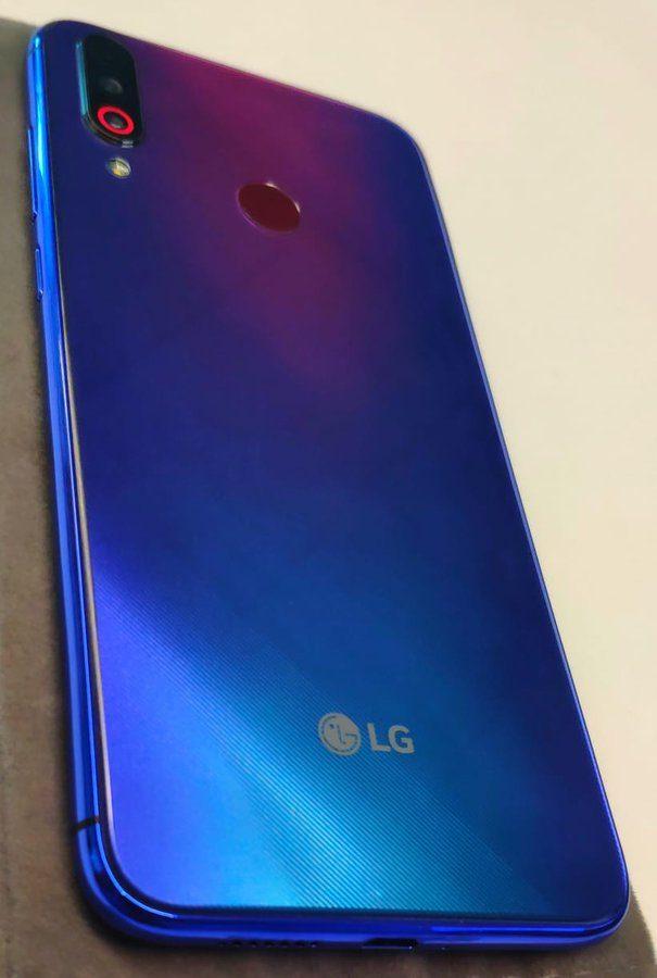LG из серии W на фото