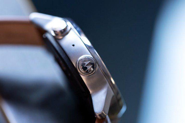 Умные часы Moto 360 версия 2019 года