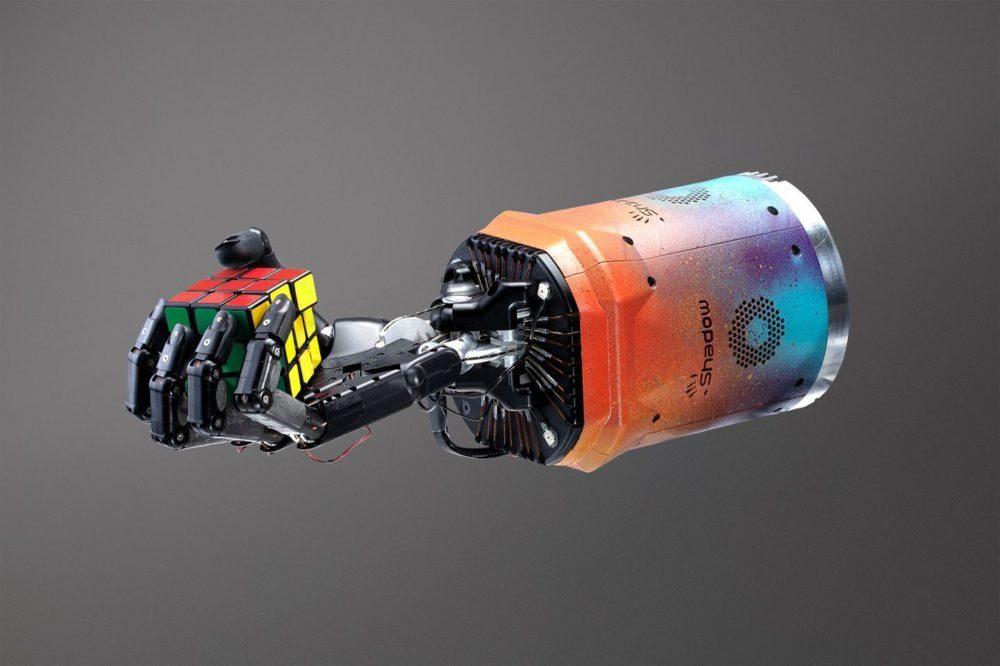 Робот смогу сам научиться собирать кубик Рубика