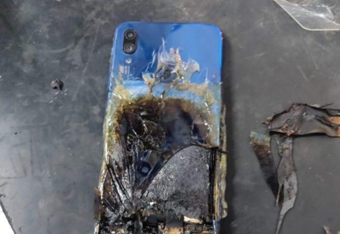 сгорел Redmi Note 7S из-за батареи