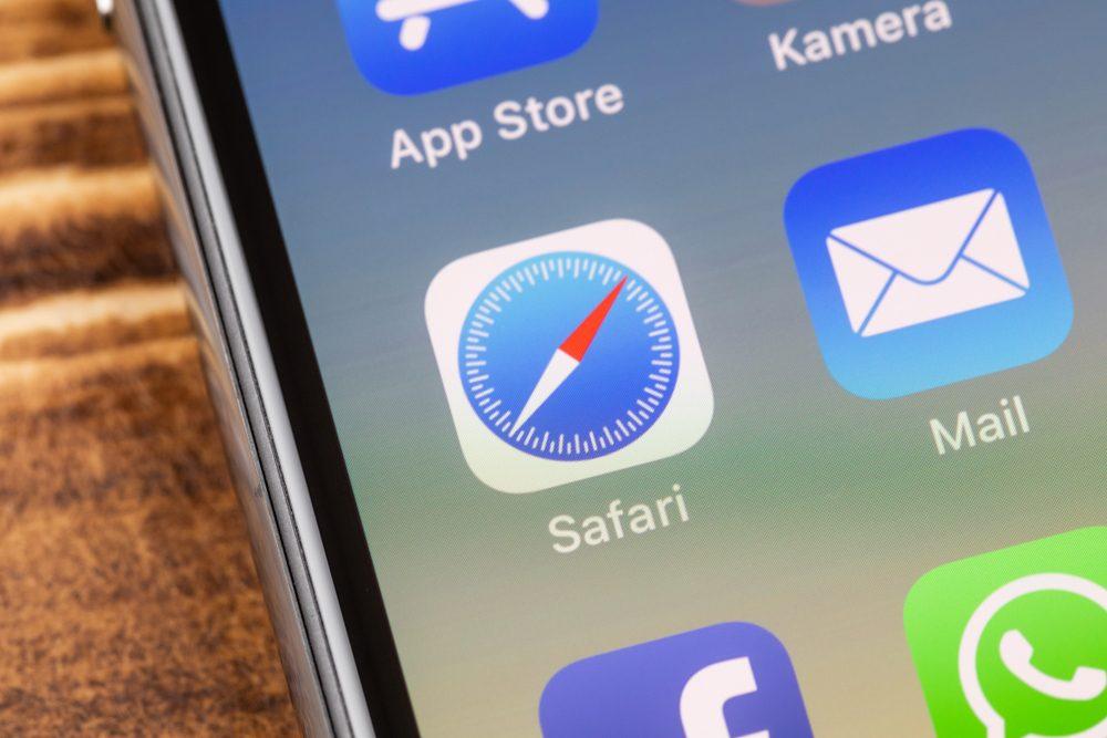 Как Google помогла Apple устранить дыру в браузере Safari