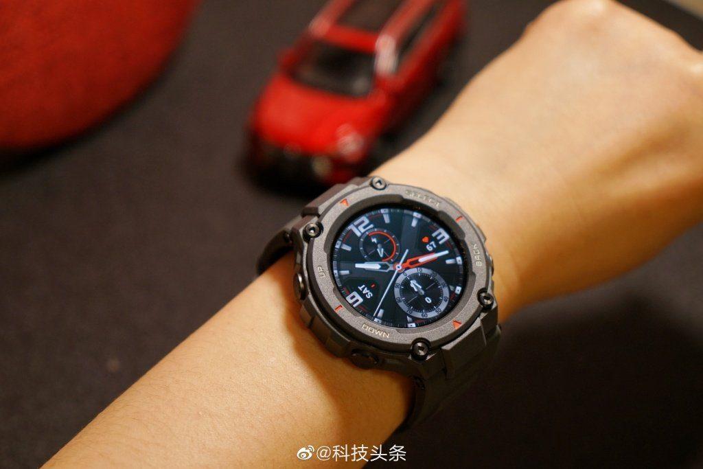 Amazfit представил сверхпрочные смарт-часы Amazfit T-Rex