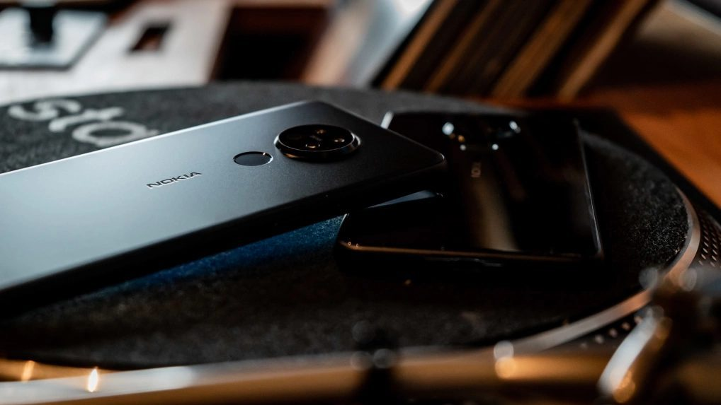 Схожесть задней панели Nokia 5.2 с Nokia 6.2