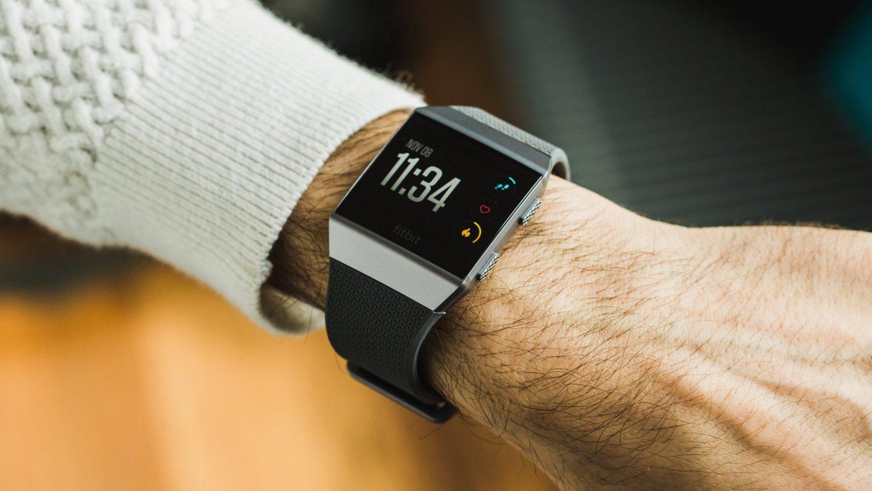 В Apple Watch такого нет - новая функция смарт-часов Fitbit