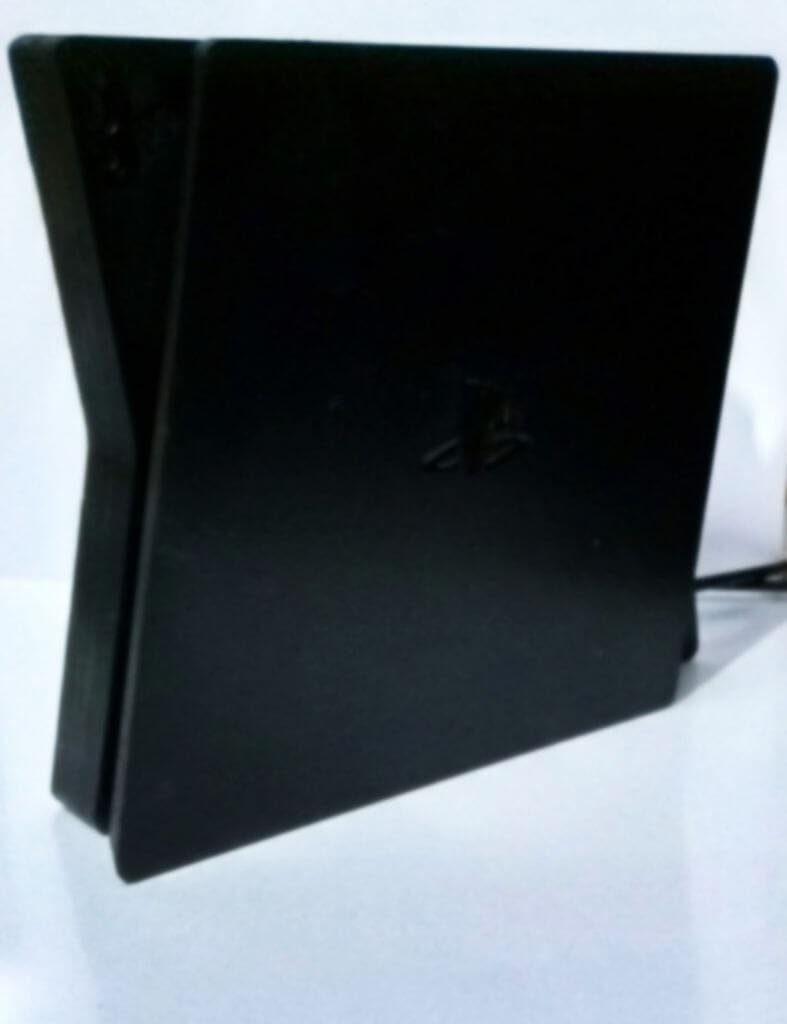 В сети распространили дизайн PlayStation 5 который может стать финальным 3