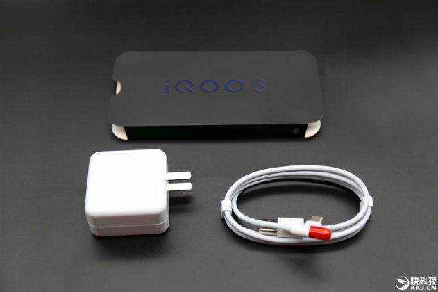 IQOO 3 на фото