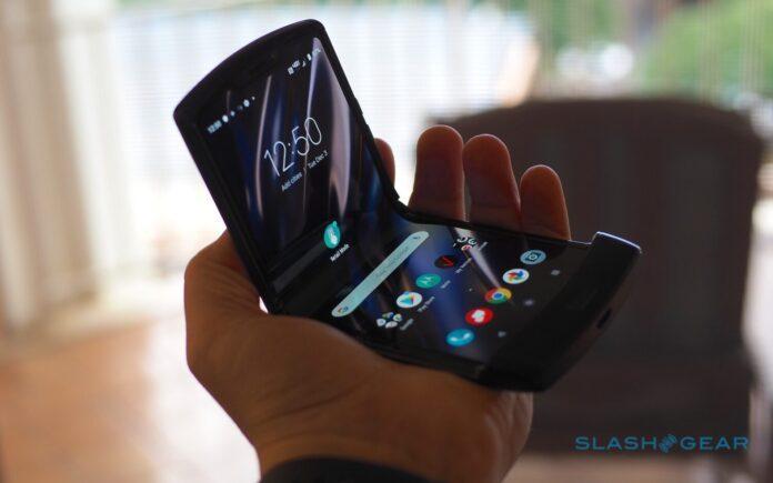 Недостатки распиаренной «раскладушки» Motorola Razr 2019 (2)