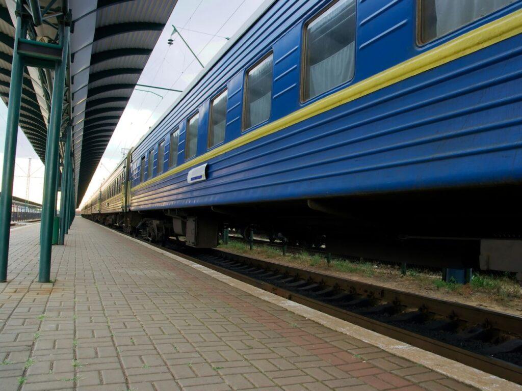 С 1 июня в Украине запустят междугороднее ж-д сообщение