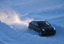 Блогер протестировал Tesla Model Y в Аляске