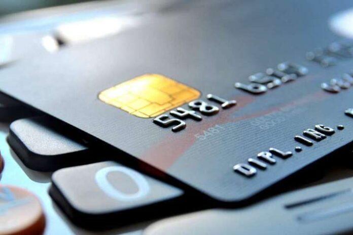 В НБУ рассказали, что делать, если банк поднял стоимость обслуживания карты без предупреждения