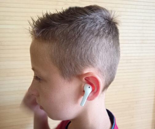 Realme Buds Air Neo в ушах