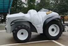 Китайцы создали беспилотный трактор на электротяге