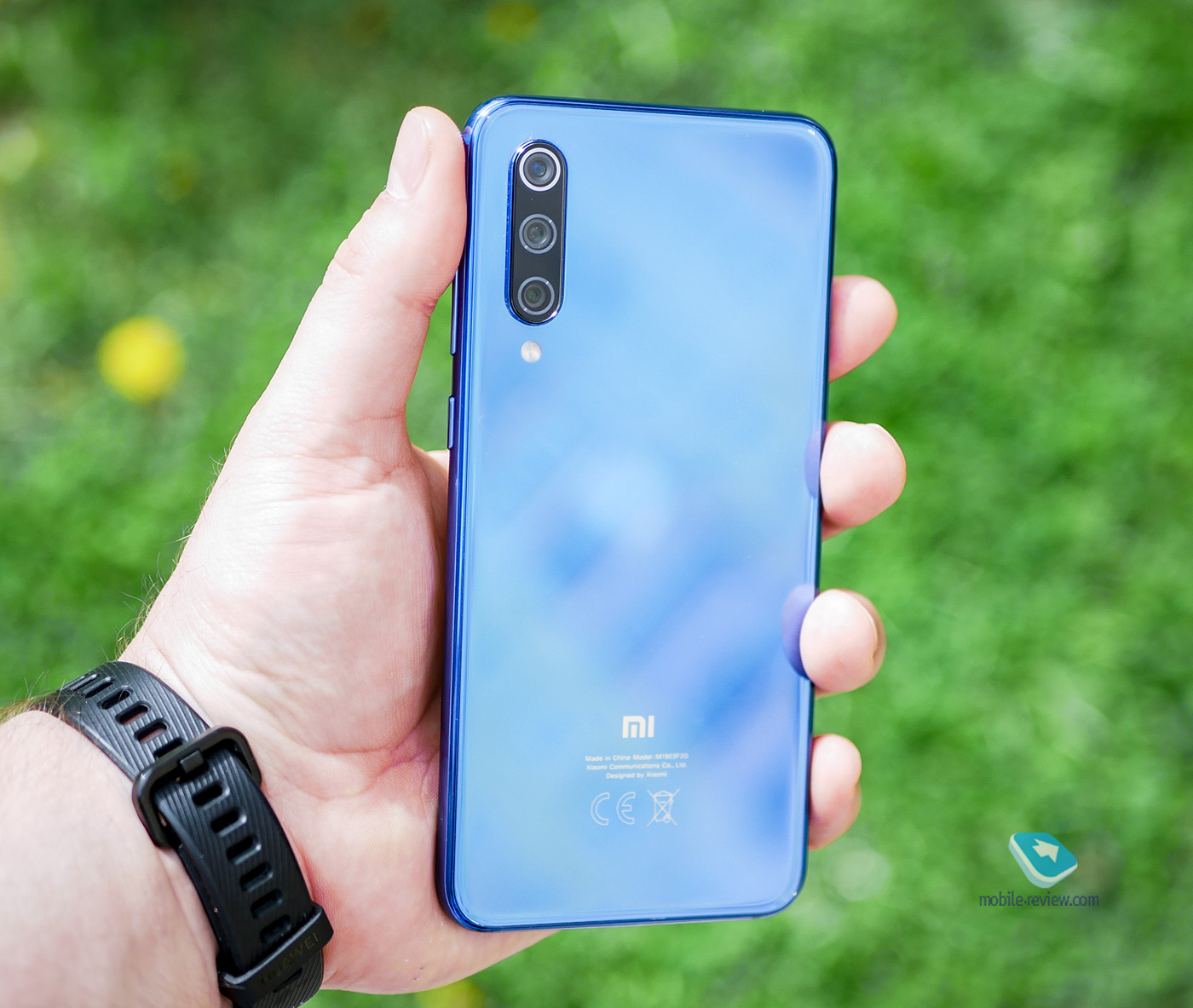 Xiaomi Mi 9 SE получил MIUI 12