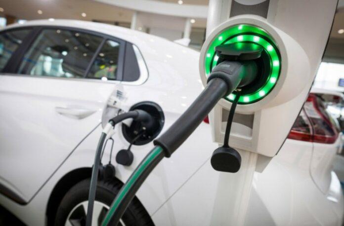 На преодоление 2,1 тыс. км владельцу электрокара понадобилось менее 400 гривен