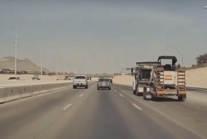 Как автопилот Tesla уходит от аварии на практике (видео)