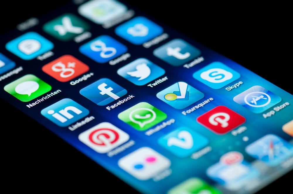 Какие категории приложений нещадно засоряют ваш Android - Приложения социальных сетей