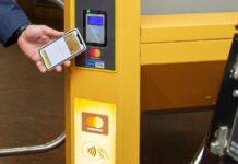 В метро Днепра заработала NFC-оплата проезда