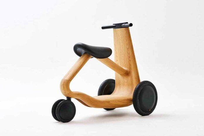 Японцы показали концепт деревянного электросамоката (видео)