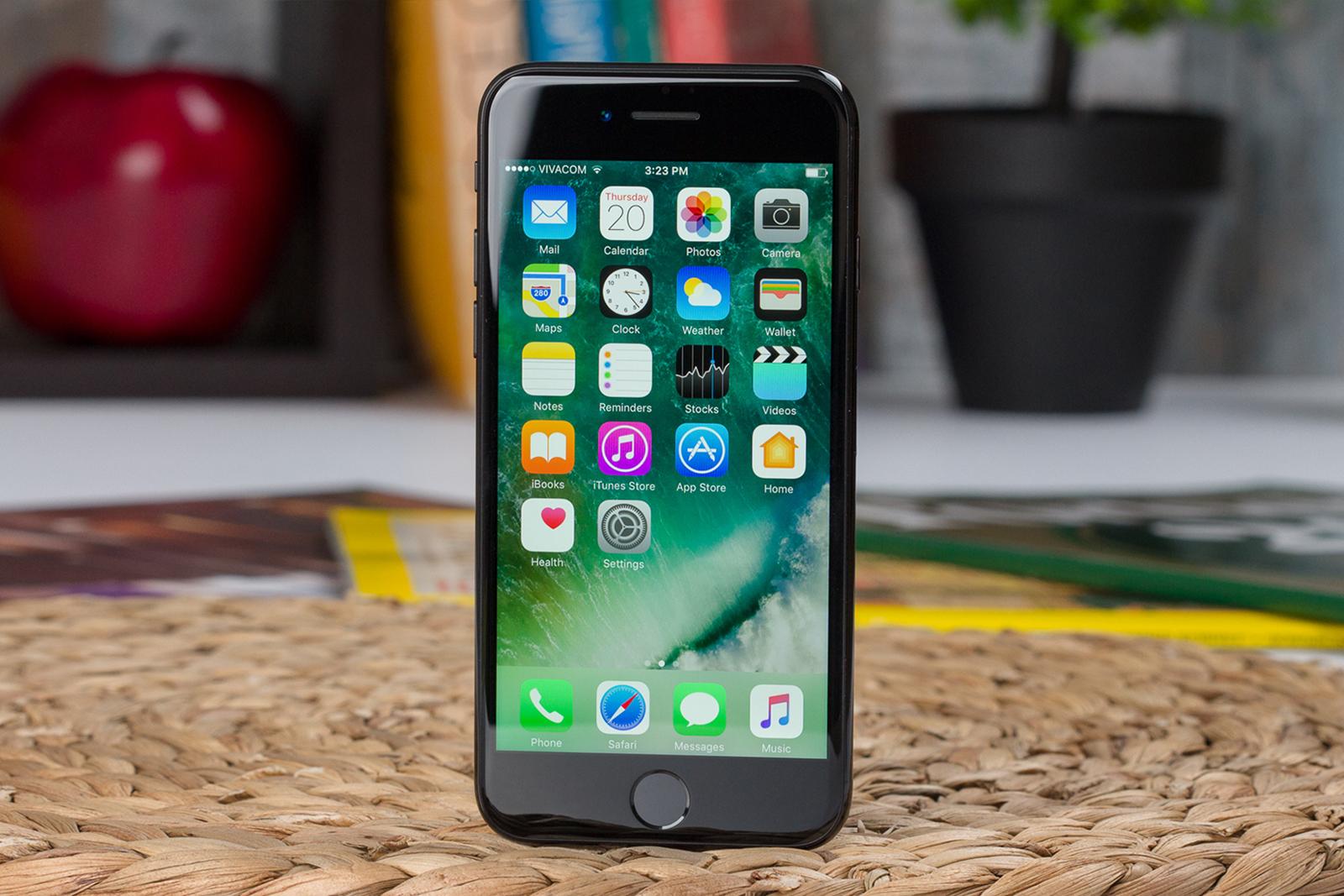 Впервые в Украине iPhone SE реализуется по контракту - скидка составит 3 000 гривен