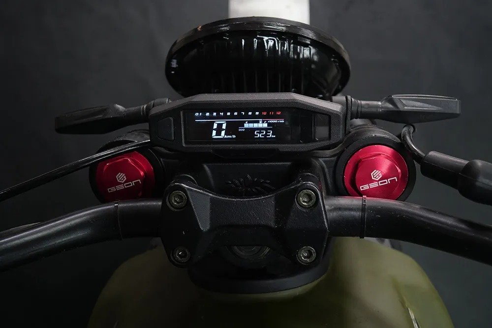 Выпущен украинский электромотоцикл равный по стоимости б-у автомобилю - GEON ScrAmper