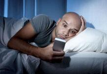 Использовать смартфон в вечернее время небезопасно для здоровья