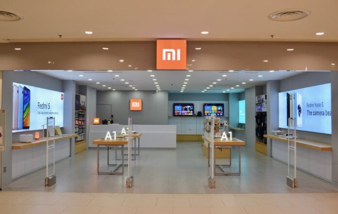 Китайский толстосум опустошил фирменный магазин Xiaomi