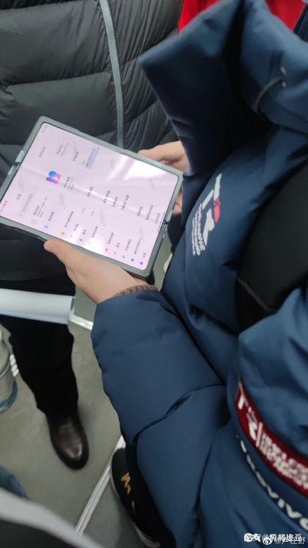 Первый складной смартфон Xiaomi