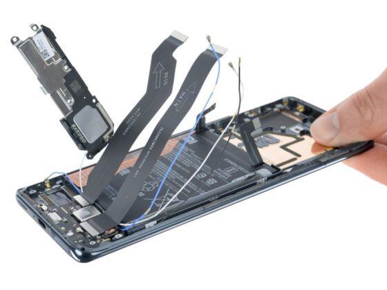 iFixit низко оценили ремонтопригодность Xiaomi Mi 11