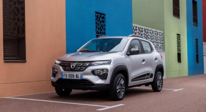 Во Франции стартовал прием заказов на более дорогой, чем ожидалось, электрокроссовер Dacia Spring
