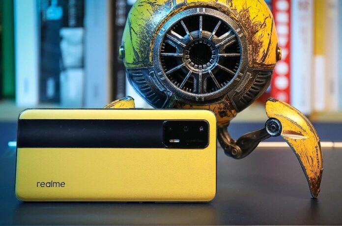 Realme опровергает обвинения в фальсификации результатов тестирования своего нового флагмана