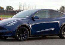 Автомобиль Tesla на автопилоте столкнулся с полицейской машиной
