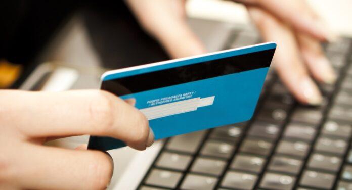 «ПриватБанк» меняет процедуру пополнения карт