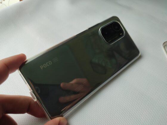 Задняя панель Poco F3