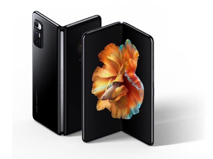 Первая в истории «раскладушка» Xiaomi продается на 500 долларов дешевле