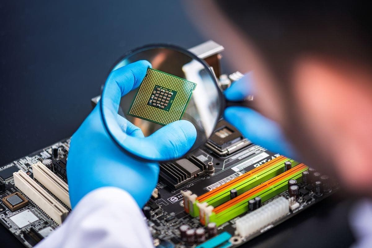 Началось массовое производство поддельных микросхем. Чем это опасно для будущих владельцев смартфонов