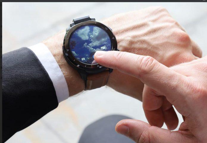 Первые в мире часы с поворотной камерой Sony можно купить со значительной скидкой