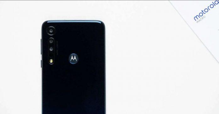 Lenovo готовится возродить популярный в прошлом десятилетии смартфон Motorola Defy