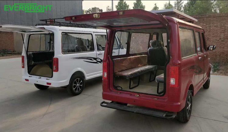 Китайцы показали 10-местное электрическое такси за $4000