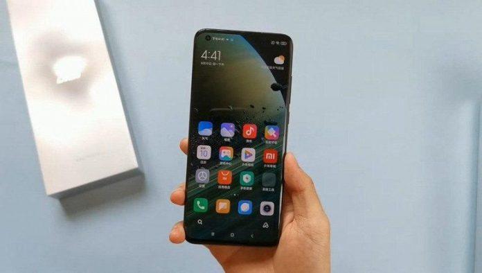 Китаец заплатит многомиллионный штраф за «слив» информации о прошлогоднем флагмане Xiaomi