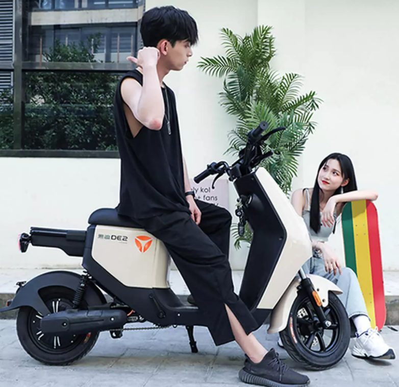 Xiaomi представила бюджетный электроскутер с запасом хода 100 км