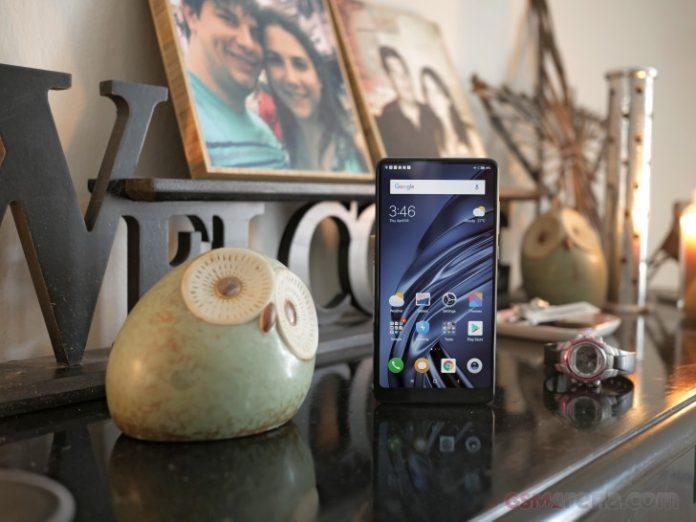 Последний флагман Xiaomi 2018 года получил MIUI 12.5