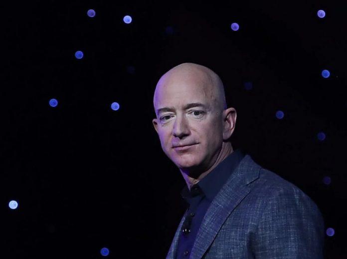 Amazon подумывает о продаже товаров за биткоины и эмиссию собственной криптовалюты