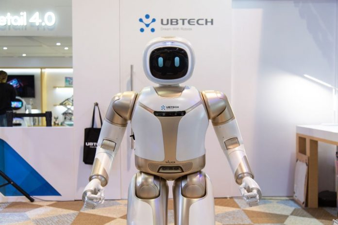 Человекоподобный робот Ubtech