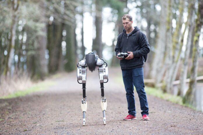 В сети появилось видео робота, пробежавшего без остановки 5 км