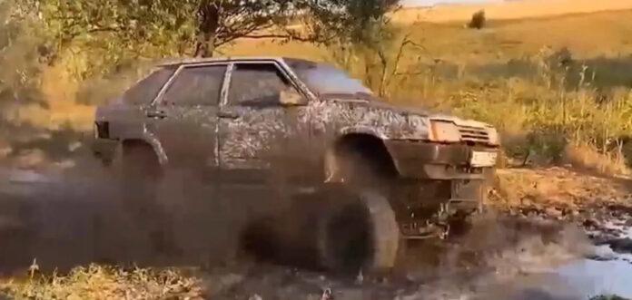 Харьковский мастер переделал ВАЗ-2109 на вездеход