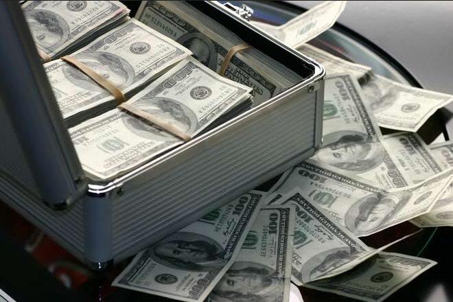 Не криптовалютчиками едиными: государство заглянет в карман каждого украинца
