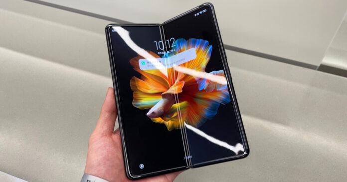Snapdragon 888 и подэкранная камера: новый смартфон Xiaomi прошел сертификацию