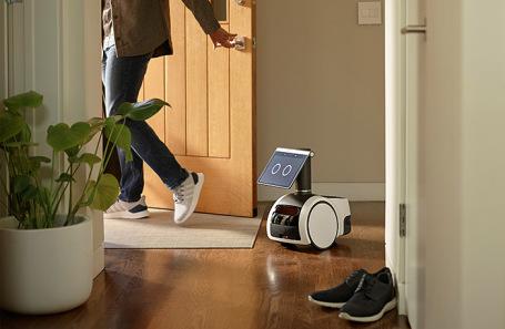 Amazon презентовала первого домашнего робота-помощника